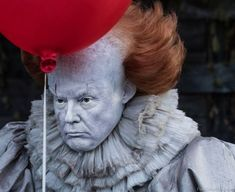Edit images for free using the online compositor. It is unique for its simplicity and gives you complete control to make funny pictures without Photoshop. Anti Trump Meme, Donald Trump Tweets, Donald Trump Funny, Trump Picture, It The Clown Movie, Trump Face, Trump Cartoons, Pennywise The Clown, Funny Horror