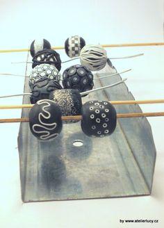 Ateliér Lucy - interesting beads,  photo tute (plus translate).  #Polymer #Clay #Tutorials