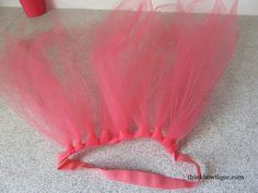 Make a troll headband with tulle and fold over elastic Elastic Headbands, Baby Headbands, Troll Halloween Costume, Crochet Tutu Dress, Tulle Skirt Tutorial, No Sew Tutu, Baby Hair Bands, How To Make Tutu, Troll Party