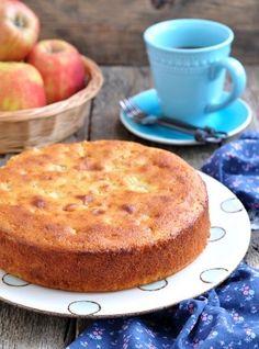 Receita de Bolo Diet de Iogurte e Maçã. Bolo fácil, de liquidificador e é um bolo diet! É tudo de bom e saudável!