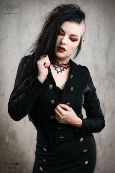 Gothic and Amazing Dark Fashion, Gothic Fashion, Fashion Beauty, Women's Fashion, Bettie Page, Hot Goth Girls, Gothic Girls, Dark Beauty, Gothic Beauty