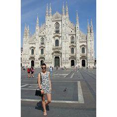 #miss_s_design #travel #fashionista #piazzadoumo #milano #italy #handmade #black #bag #Lolitabag #madeinBiH #streetstyle #streetlook #fashion #outfit #trend #style #ootd #potd #lookoftheday #wearityourway #travelgram #vsco