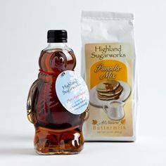 Gourmet Gift Baskets, Gourmet Gifts, Gourmet Recipes, Maple Syrup Bottles, Best Maple Syrup, Waffles, Pancakes, Hanukkah Gifts, Christmas Gift Baskets
