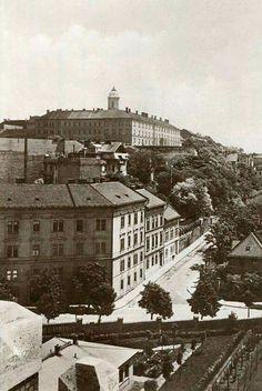 1938. Logodi utca Old Pictures, Old Photos, Vintage Photos, Budapest Hungary, Historical Photos, Austria, Paris Skyline, The Past, Marvel
