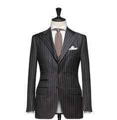Tailored 2-Piece Suit – Fabric 4544 Stripes Grey Cloth weight: 290g Composition: 100% Wool Super