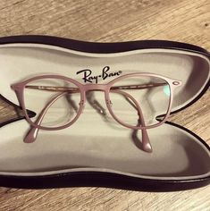 25 irresistible 'rose gold' objects you wish you had - 25 things rose gold color for your school or office - Best Eyeglass Frames, Glasses Frames Trendy, Best Eyeglasses, Glasses Trends, Lunette Style, Fashion Eye Glasses, Sunglasses, Rose Gold, Lenses