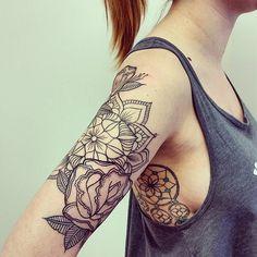#mulpix Finished #tattoo #oberarm #dreamcatcher #mandala #roses #tattoosforgirls #inked