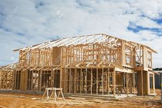 14654139-New-residential-construction-home-framing-Construction-site-Stock-Photo.jpg (1300×865)