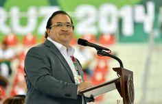 El Velódromo de Veracruz 2014 es la obra que representa la integridad, la fuerza, el entusiasmo, la fortaleza social y el vigor de la sociedad veracruzana, expresó el gobernador Javier Duarte de Ochoa al inaugurar este magno recinto.