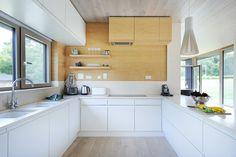 02-cozinha-e-sala-de-jantar-com-cores-e-materiais-simples