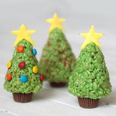 my kids would love to make these! Rice Krispie treat Christmas trees