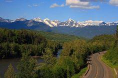 """Am besten lassen sich die vielen Highlights in Kanada im Wohnmobil oder Auto """"erfahren"""". TRAVELBOOK zeigt 7 der spektakulärsten Roadtrips im Land!"""