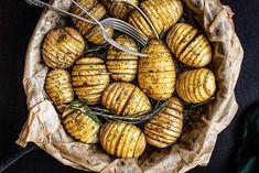 Pay homage to baby potatoes and rebel against LCHF and banting. Roasted Baby Potatoes, Roasted Potato Recipes, Hasselback Potatoes, Potatoes Au Gratin, Potato Bread, Potato Cakes, Potato Dishes, Best Gluten Free Recipes, Vegan Gluten Free