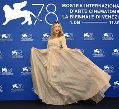 Kate Hudson, Ballet Skirt, Skirts, Movie Posters, Fashion, Art, Moda, Tutu, Skirt