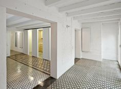 Reform of an apartment in Gran de Gràcia. By Vora Arquitectura. Photography © Adrià Goula.