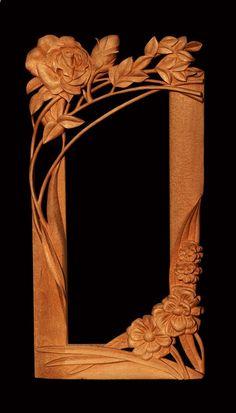 Zrcadlo Růže 2008, š: 50 x v: 100 cm, dřevo bukové, voskované. Možnost vyrobit variantu v podobných tvarech a jiných barvách.