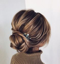 wedding hair bangs These Gorgeous Updo Hairstyle That Youll Love To Try! Whether a classic chignon, textured updo or a chic wedding updo with a beautiful details. These wedding updos are perfect for any bride looking for a unique wedding hairstyles Evening Hairstyles, Chic Hairstyles, Hairstyle Ideas, Fringe Hairstyles, Updo Hairstyles For Prom, Hairstyles Pictures, Straight Hairstyles, Elegant Hairstyles, Black Hairstyles