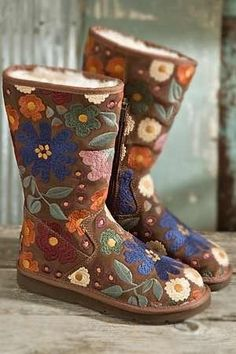 Embroidered Uggs | 20 Pairs Of Uggs That Will Destroy Your Faith In Humanity