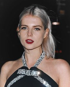 Lucy Boynton, Pitch Perfect, Blonde Beauty, Woman Face, Green Eyes, Pretty Face, Makeup Looks, Hair Makeup, Style Inspiration