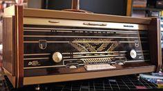 In den frühen Sechziger Jahren erschienen sehr viele Stereo-Röhren-Radios auf dem Markt. Viele folgten im Design den Fünfzigern mit großer K...