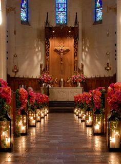 candles lighting the aisle. this is so beautiful you can make it rustic. Great idea!