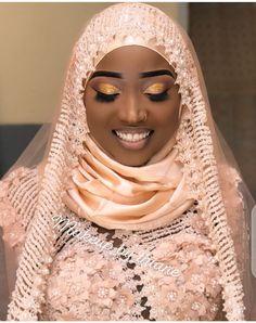 Hijabi Wedding, Muslim Wedding Gown, African Wedding Dress, African Dress, Burberry Shirt Women, African Print Dress Designs, Nikkah Dress, Receptions, How To Feel Beautiful