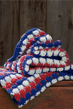 This is a great and simple crochet stitch! Get this free crochet pattern for a Larksfoot Afgan.