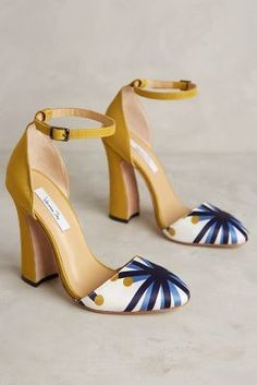 Beautiful shoes - yellow pumps with cap toe detail