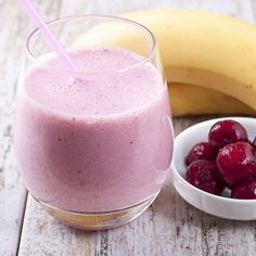 Forget the cherry on top, why not make the whole smoothie about the cherries? Cherry Drink, Tart Cherry Juice, Cherry Smoothie, Juice Smoothie, Marachino Cherries, Tart Cherries, Shake Recipes, Smoothie Recipes, Non Alcoholic Drinks