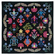 William Morris Floral Fantasy quilt using batiks.
