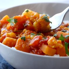 Tender cauliflower, butternut squash, and red lentils cooked in a coconut-creamy red curry sauce and poured over a mini-mountain Curry Recipes, Rice Recipes, Indian Food Recipes, Cooking Recipes, Ethnic Recipes, Delicious Vegan Recipes, Vegetarian Recipes, Healthy Recipes, Cauliflower Curry