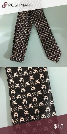 Black tie Geek skinny tie NWOT Skinny tie with Space Invaders pattern. 🚀 Never worn! BlackTie Geek Accessories Ties