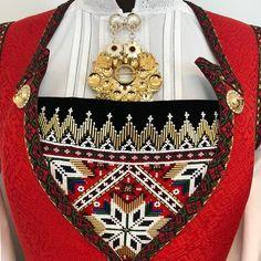 Bilderesultat for bringeduk hardangerbunad Shoulder Bag, Bags, Instagram, Fashion, Handbags, Moda, Fashion Styles, Taschen, Purse