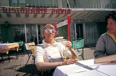 "berlin-1976: ""David Bowie and Coco Schwab skiing in Italy © Claude Nobs archives """