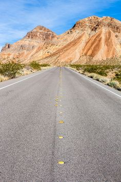 The best way to explore the USA is on a road trip, especially if you do family travel like us. Check out these 22 scenic USA road trips to put on your USA travel bucket list. #roadtrips #travel #USAtravel #familytravel