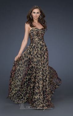 b57f69eda1eba0 long leopard dress! I m nit always big on animal print but I love