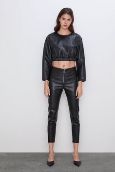 New clothes and accessories updated weekly at ZARA online. Stay in style with seasonal trends. Sequin Pants, Flowy Pants, Leggings Are Not Pants, Women's Pants, Faux Leather Leggings, Leather Pants, Trousers Women, Pants For Women, Gingham Pants