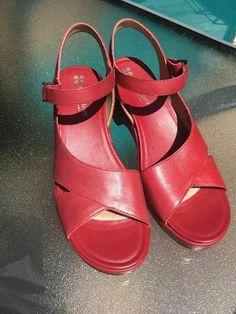 921f12a9e931 Naturalizer Sandals Heels Geneva Comfort Red Leather Size 9.5N  Naturalizer   ComfortSandals