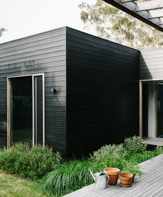 With a wish to have a relaxed coastal retreat for her family of four, Shareen Joel Design was faced with a brief that called for a design that was casual, had plenty of room for entertaining family and friends, Sorrento Beach, Outdoor Living, Indoor Outdoor, Melbourne, House Of The Rising Sun, Modern Tiny House, Exterior Cladding, Box Houses, Facade House