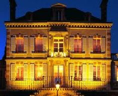 champagnehuis bollinger Bollinger Champagne, Mansions, House Styles, Google, Decor, Decoration, Manor Houses, Villas, Mansion
