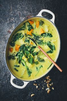 Vegan Sweet Potato, Ginger, Spinach And Tofu Curry / Green Kitchen Stories Soup Recipes, Vegetarian Recipes, Dinner Recipes, Cooking Recipes, Healthy Recipes, Vegetarian Curry, Vegan Curry, Broccoli Recipes, Indian Food Recipes