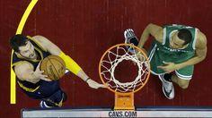 Cleveland Cavaliers 'Kevin Love, esquerda, dispara contra o Boston Celtics' Avery Bradley na segunda metade de um jogo de basquete NBA terça-feira março 3, 2015, em Cleveland.  Os Cavaliers bateu o Celtics 110-79.  (AP Photo / Mark Duncan)