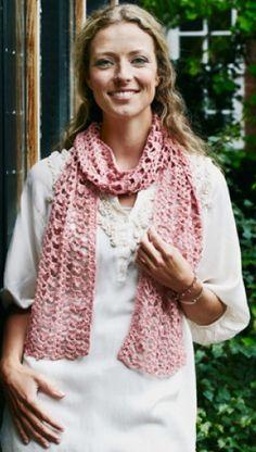Hæklet tørklæde i rosa| Hæklet i forårs-pasteller | Gratisk hækle- og strikkeopskrifter på skønne sager til dig, manden eller de mindste | Håndarbejde