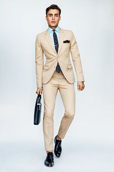 like these khaki suits. Khaki Suits, Beige Suits, Mens Suits, Mens Khaki Suit, Suit Men, Suit Fashion, Look Fashion, Mens Fashion, Fashion Trends