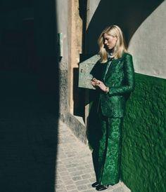 """Модель Иселин Стиро (Iselin Steiro) позировала Аннемарике Ван Дриммелен (Annemarieke Van Drimmelen) для фотосессии """"A Strong Suit Tells a Story"""" в майском WSJ. Magazine."""