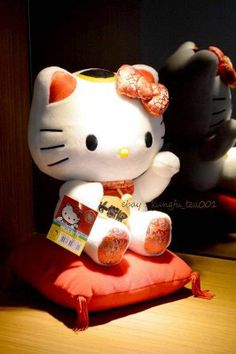 "12"" Mascot HelloKitty Lucky Wealth Maneki Neko Beckoning Cat Doll Plush Soft Toy"