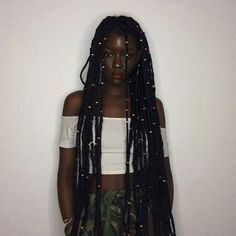 Her instagram and youtube : Queentoïdé ||YYYAAASS$|| Pinterest : @andrylsd