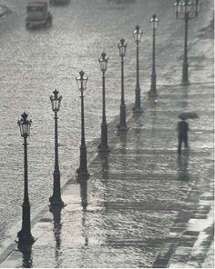Paris, 1929, Andre Kertesz.