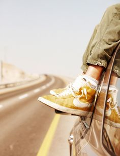 Sneakers For Girl : Nike Blazer vintage Girls Sneakers, Slip On Sneakers, Sneakers Fashion, Sneakers Design, Nike Hi Tops, Latest Fashion For Women, Mens Fashion, Site Nike, Glitter Shoes