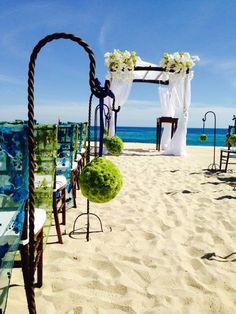 Beach wedding at Las Ventanas al Paraiso, A Rosewood Resort in Los Cabos, Mexico.